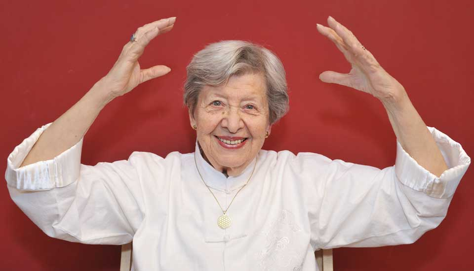 Qigong exercises offer a gentle way for seniors to improve health and ...